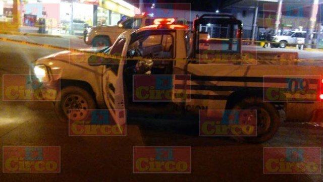 ¡5 lesionados tras el choque entre una patrulla y un auto en Encarnación de Díaz!
