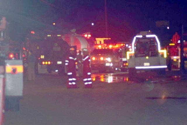 ¡Voraz incendio acabó con una fábrica en Aguascalientes!