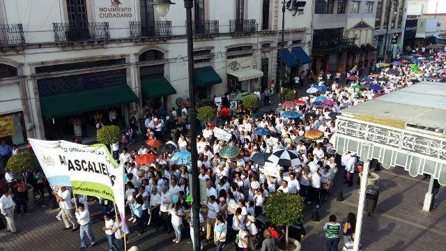 ¡Se manifiestan a favor de la familia y en contra de la intolerancia en Aguascalientes!