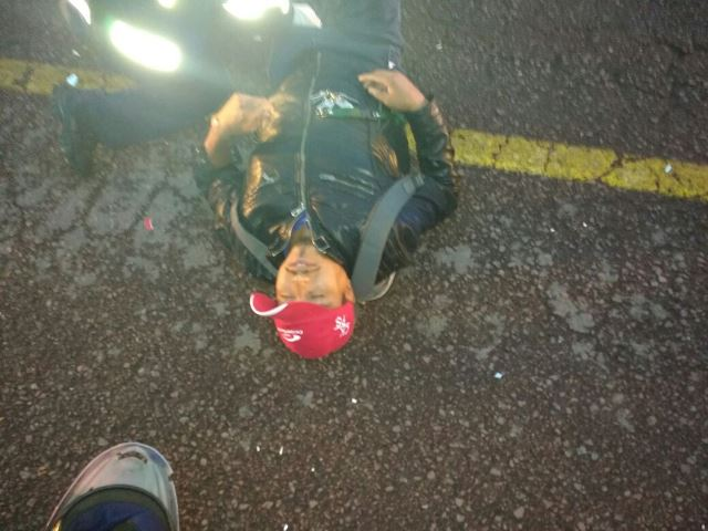 ¡Joven motociclista lesionado tras ser embestido por un automóvil en Aguascalientes!