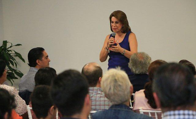 ¡Reitera Lorena Martínez su compromiso con la agenda ciudadana!