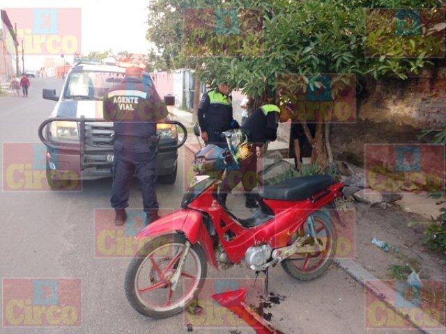 ¡Grave motociclista que se accidentó en Lagos de Moreno!