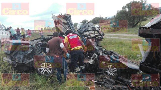 ¡2 policías municipales de Ojuelos y un civil murieron en terrible accidente!