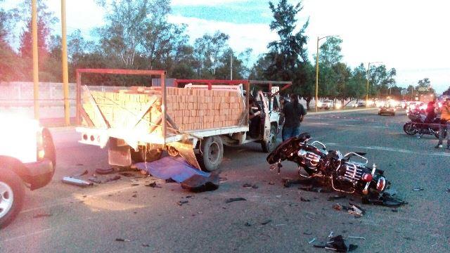 ¡Motociclista murió tras estrellarse contra una camioneta en Aguascalientes!