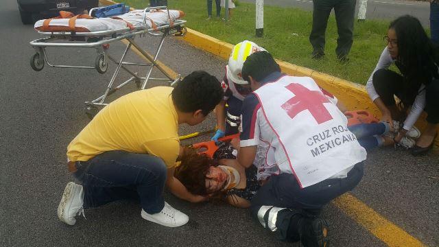 ¡Ya son 2 estudiantes muertos tras una volcadura en Aguascalientes!