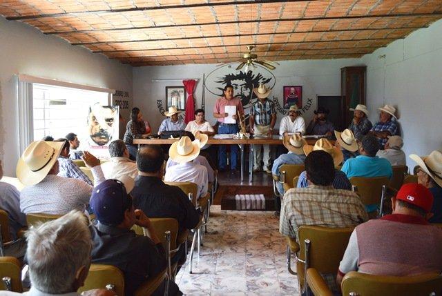 ¡Ejido y Ayuntamiento de Calvillo estrechan lazos de colaboración!