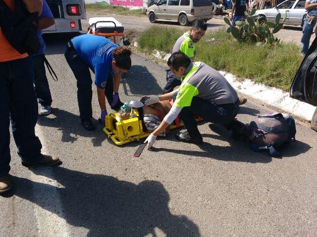 ¡6 lesionados, 3 de ellos de Zacatecas, dejó choque entre 2 automóviles en Aguascalientes!
