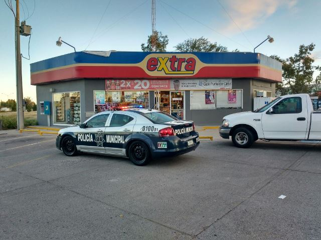 ¡Sujeto armado con un cuchillo asaltó una tienda de conveniencia en Aguascalientes!