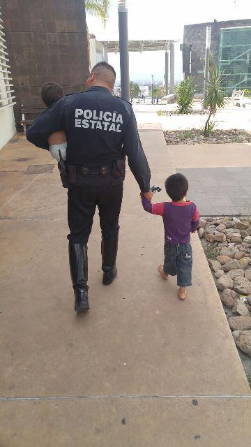 ¡2 niños fueron abandonados por sus padres por 4 días en una casa en Aguascalientes!