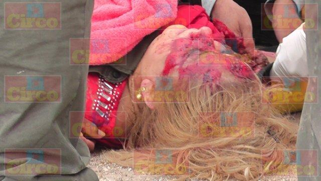 ¡2 muertos y 7 lesionados tras fuerte choque entre una camioneta y un tráiler en Fresnillo!