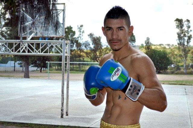 ¡Boxeador calvillense peleará en Canadá!