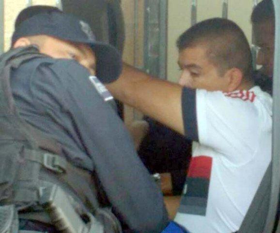 ¡Empleado se resistió a un asalto y fue baleado en Aguascalientes!