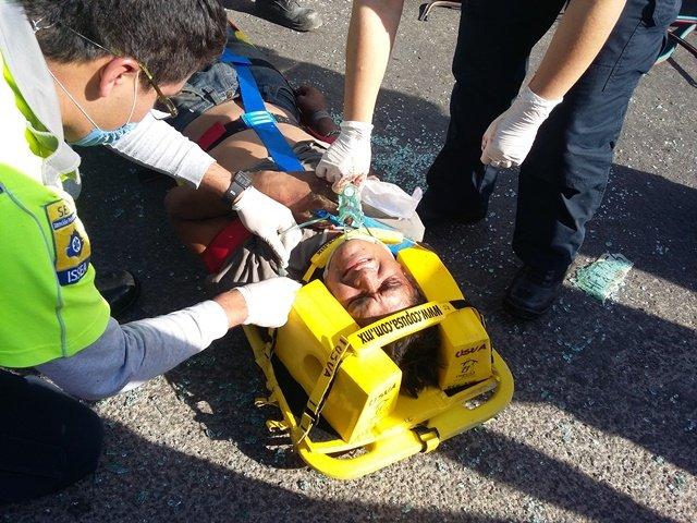 ¡Joven se salvó de morir prensado tras fuerte accidente en Aguascalientes!