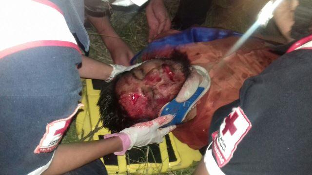 ¡Ebrio agente ministerial casi se mata tras volcar su patrulla en Aguascalientes!
