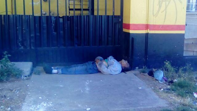 ¡Hallaron muerto a un hombre infartado en un autobaño en Aguascalientes!