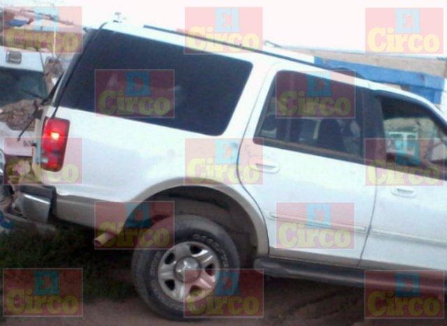 ¡Camioneta chocó contra un muro en Guadalupe, Zacatecas: 1 muerto y 1 lesionado!
