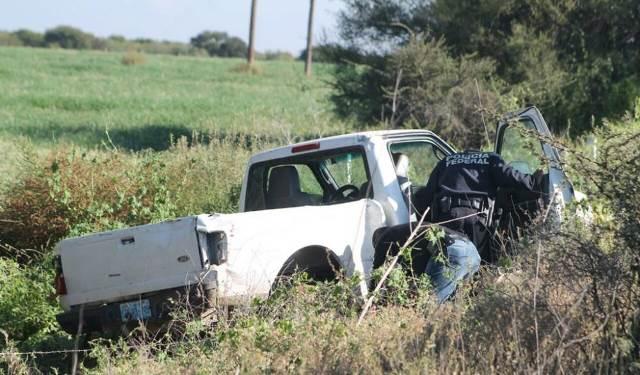 ¡Volcadura de camioneta dejó 1 muerto y 3 heridos en Pánuco, Zacatecas!