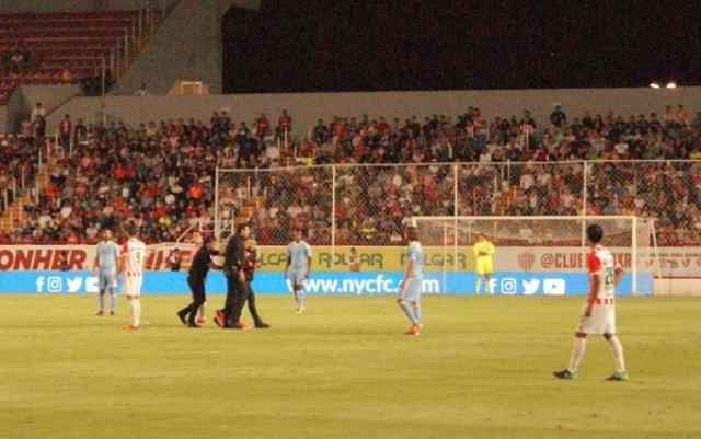 ¡Espontáneos exhiben a Grupo Omega Seguridad en el Estadio Victoria en Aguascalientes!