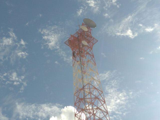 ¡Joven originario de Sinaloa intentó suicidarse en una torre de 65 metros de altura en Aguascalientes!