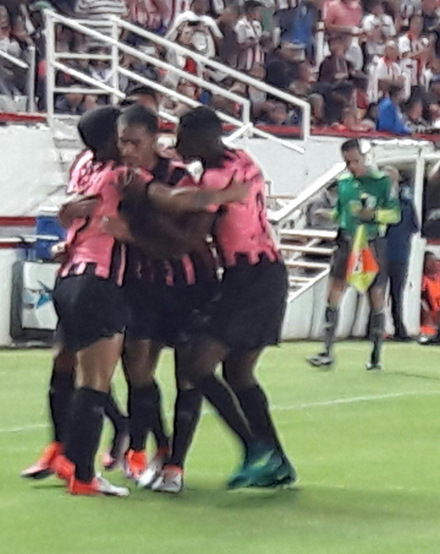 Necaxa toma la delantera sobre el Toluca con gol de Espindola