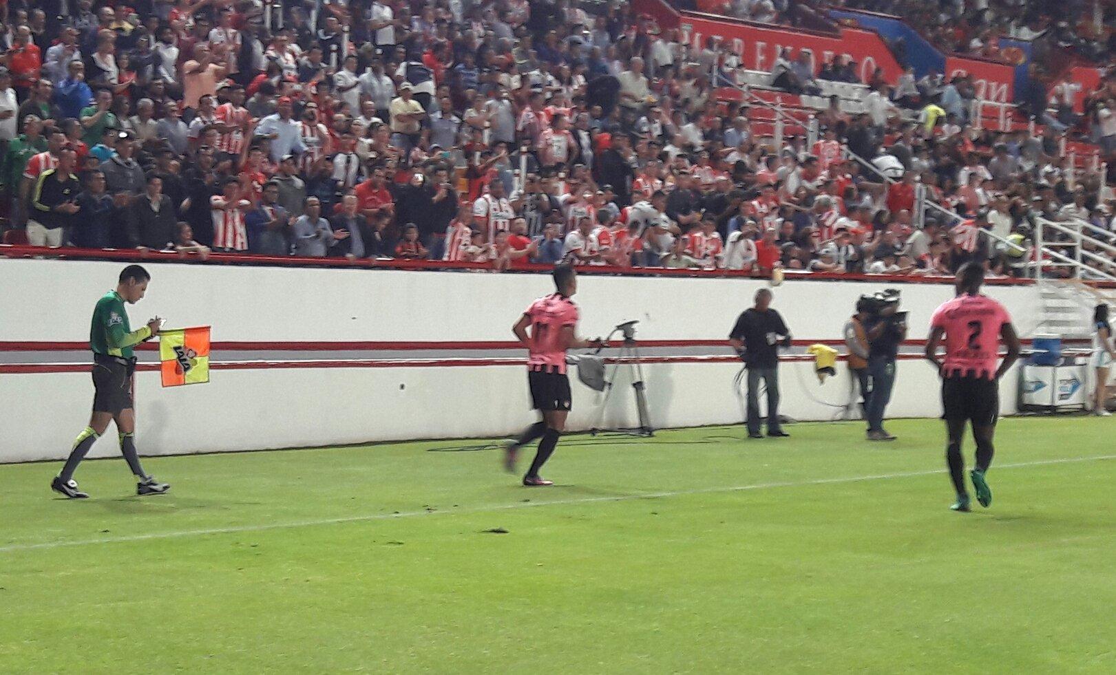 Jesús Isijara anota el segundo gol del Necaxa