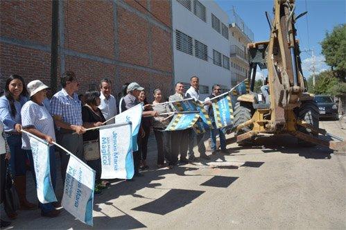 ¡Arranca municipio de Jesús María pavimentación en Corral de Barrancos!