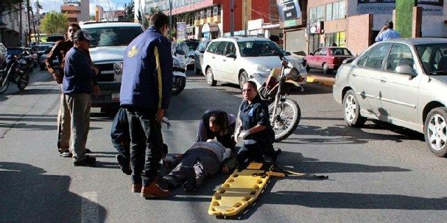 ¡Automóvil arrolló a una pareja en Zacatecas!