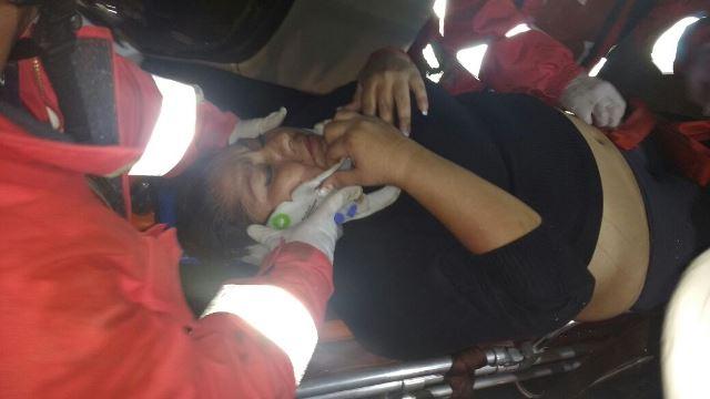 ¡Volcadura de una camioneta en Aguascalientes dejó una pareja lesionada!