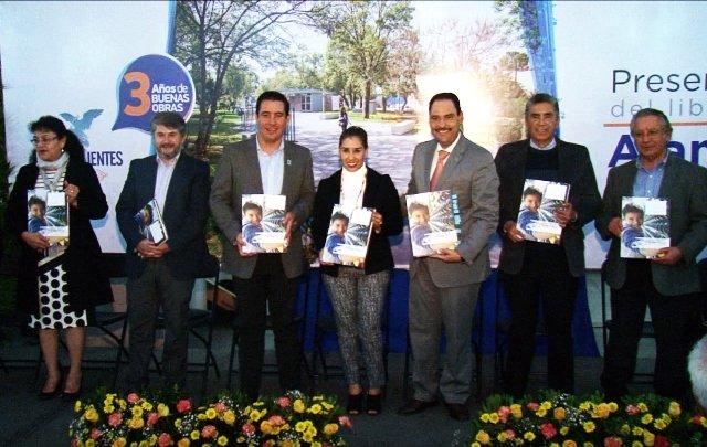 "¡Impulsa Gobierno Municipal de Aguascalientes obra literaria ""Nuestra Alameda""!"