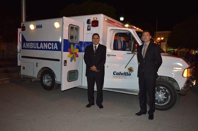 ¡Gobierno de Calvillo y migrantes entregan nueva ambulancia!