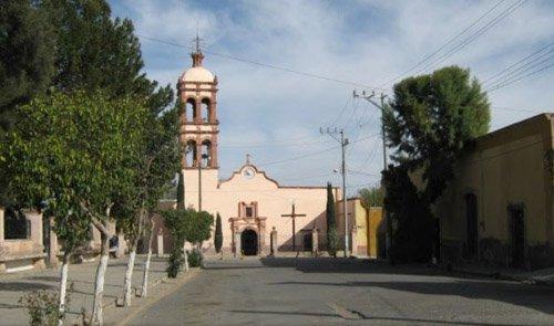 ¡Dos personas fueron ejecutadas a balazos frente al panteón de Villa de Cos!