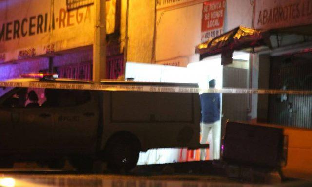 ¡A balazos ejecutaron a un hombre dentro de un negocio de comida en Zacatecas!