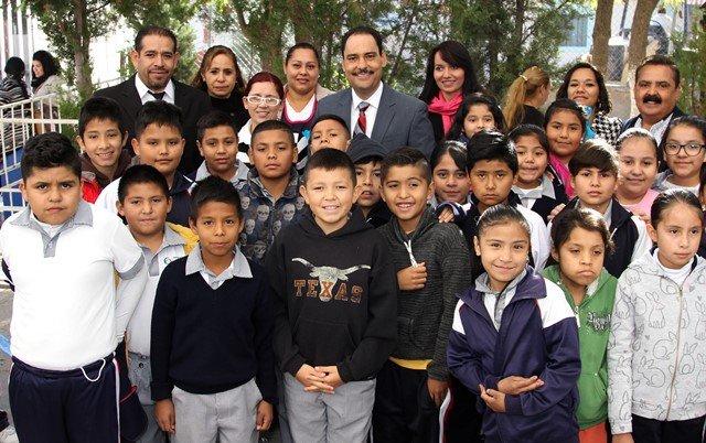¡Continúa Gobierno Municipal otorgando apoyos en beneficio de instituciones educativas!
