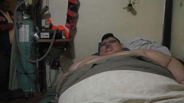 ¡Trasladan a hombre con obesidad mórbida a Guadalajara para ayudarlo a recuperar su vida!