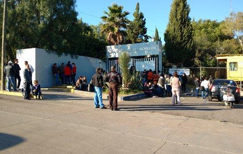 ¡Paran labores docentes para exigir bono sexenal en Aguascalientes!