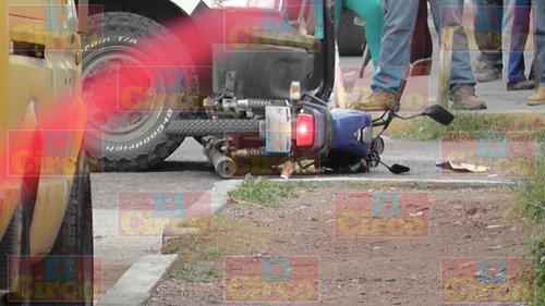 ¡Casi matan Policías Ministeriales a un motociclista al cual impactaron de manera brutal en Fresnillo!