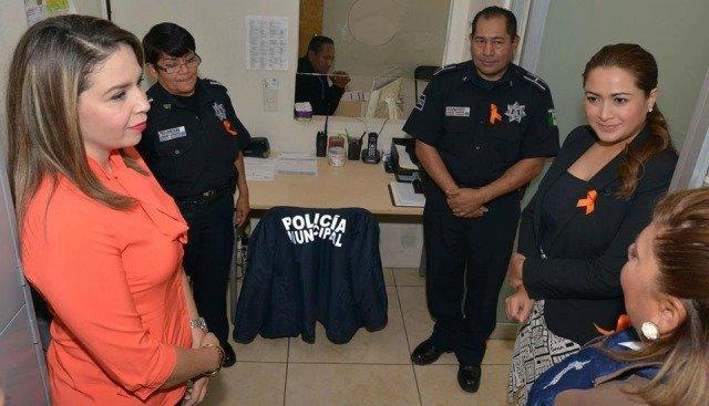 ¡Recorre Tere Jiménez las dependencias municipales como parte de la entrega-recepción!