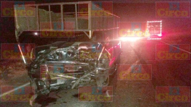 ¡1 muerto y varios lesionados tras un choque frontal entre 2 camionetas en la carretera Ojuelos-Aguascalientes!