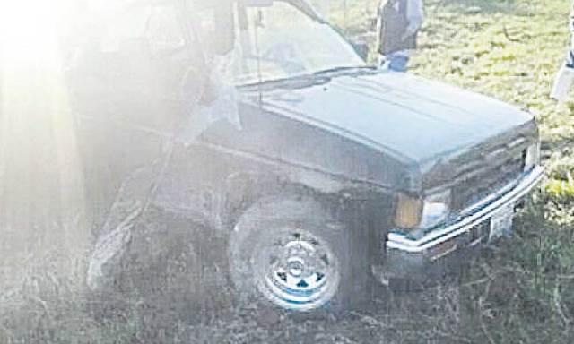 ¡Volcadura de camioneta en Encarnación de Díaz dejó 7 lesionados!