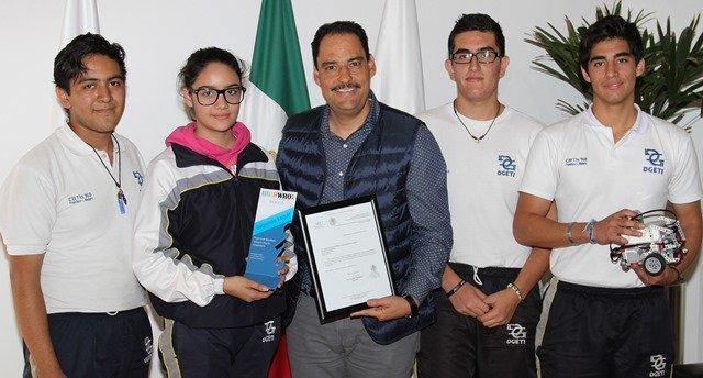 ¡Respalda Gobierno Municipal talento de estudiantes en tecnología robótica!