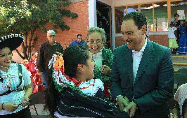 ¡Reconoce alcalde de Aguascalientes loable labor de asociaciones civiles!