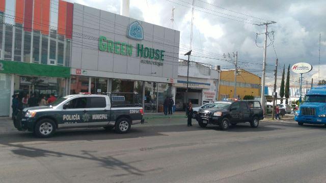 ¡Asaltaron a otros 2 cuentahabientes en Aguascalientes y les robaron $100 mil!