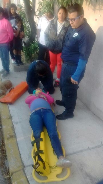 ¡Joven embarazada y su hermano lesionados tras ser embestidos en Aguascalientes!