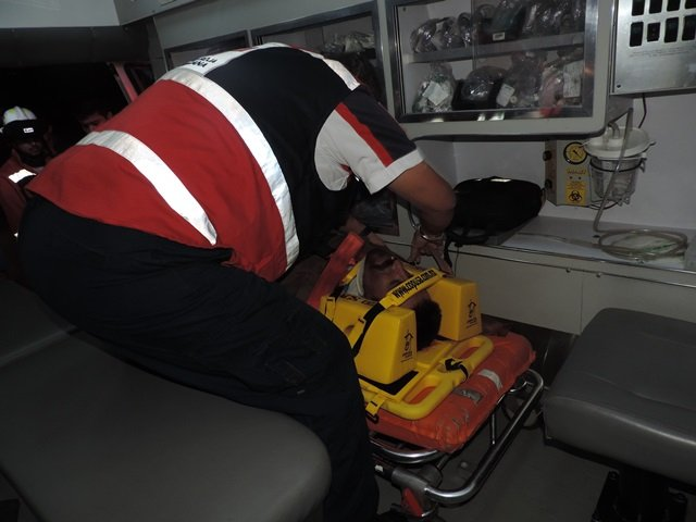 ¡7 lesionados tras fuerte choque entre una camioneta y un auto en Aguascalientes!