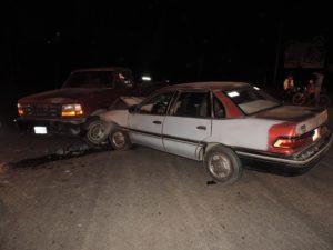 7-lesionados-choque-camioneta-vs-auto-carreteras-77-y-110-5