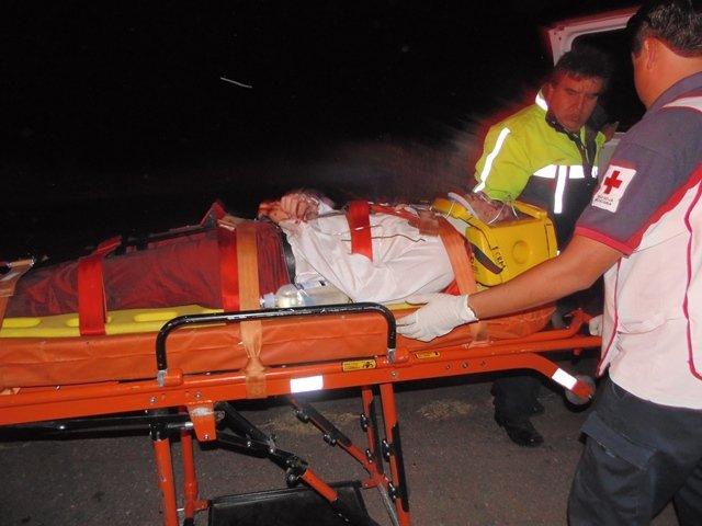 ¡Camioneta de una banda musical volcó y cayó a un barranco en Aguascalientes: 8 lesionados!