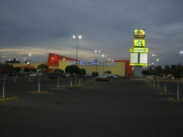 ¡Asaltaron a familia en centro comercial de Aguascalientes y la despojaron de su automóvil!