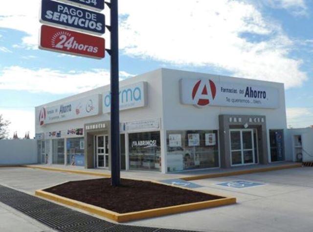 ¡Jugoso botín de $700 mil para 2 pistoleros que asaltaron una farmacia en Aguascalientes!