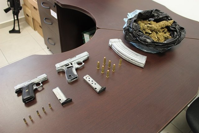 ¡Atraparon a un narcotraficante con medio kilo de marihuana y armas de fuego en Aguascalientes!