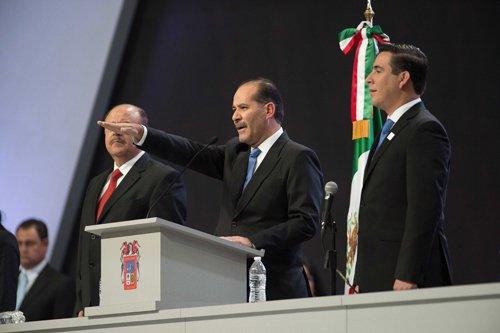 ¡Martín Orozco Rinde Protesta como Gobernador Constitucional de Aguascalientes!